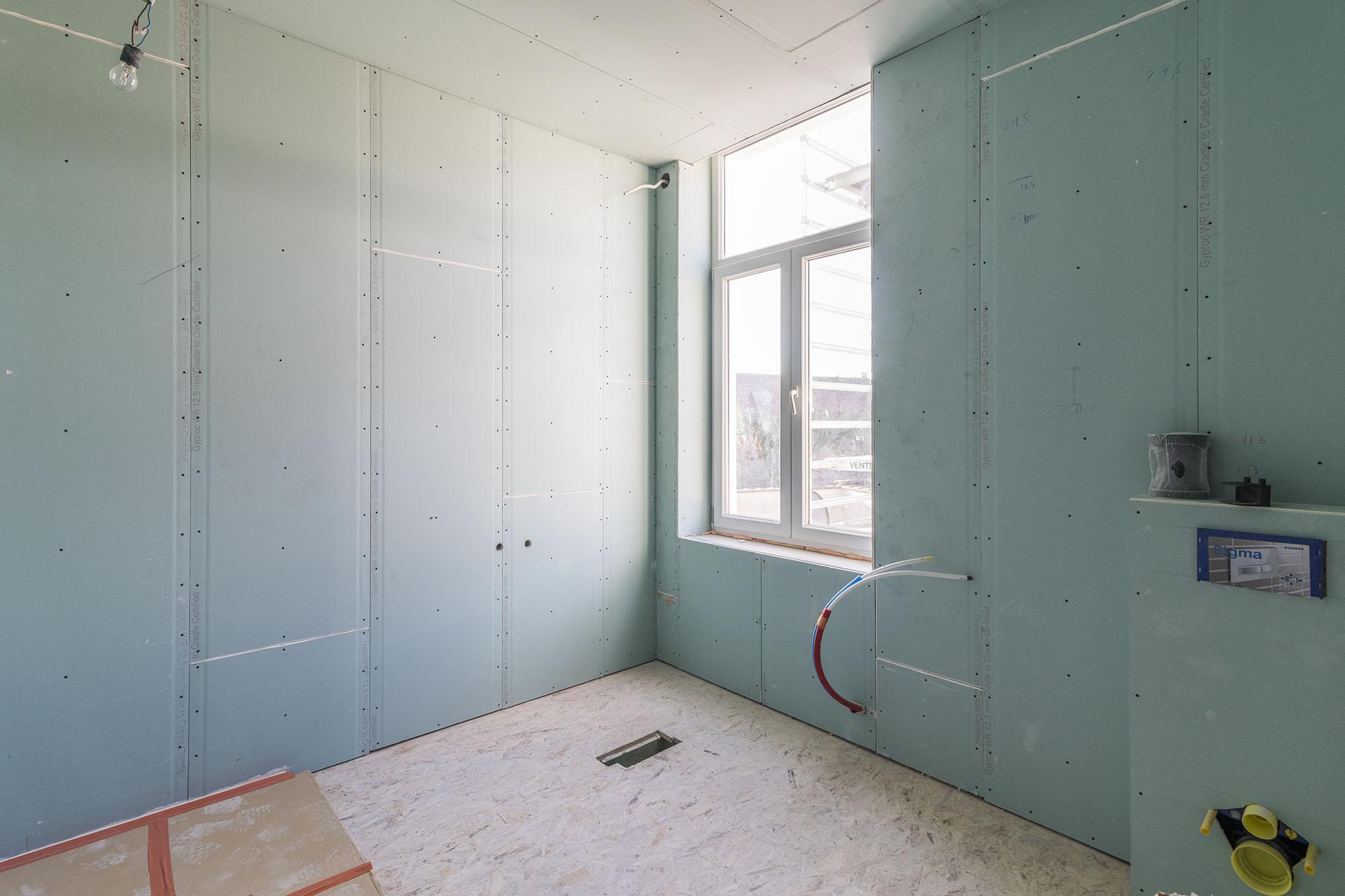 voor en na - badkamer ruwbouw